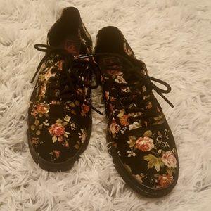 Vans | Black Rose Floral Print Low Top Sneakers